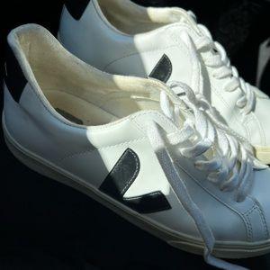 White veja sneakers size 7